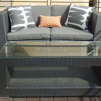 Indoor/Outdoor fabrics in contemporary prints on the deck furniture emphasize the clean modern style of the homeowners.